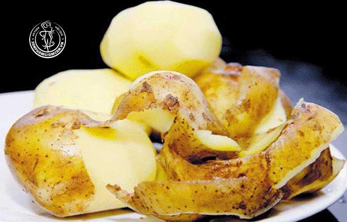 Nguy cơ tiềm tàng khi ăn cả vỏ khoai tây