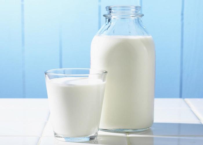 Không chỉ giảm cân mà sữa chua không đường còn giúp bạn có làn da mịn màng tự nhiên.