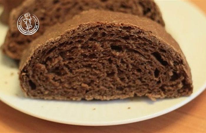 Vì sao bánh mì đen giảm cân