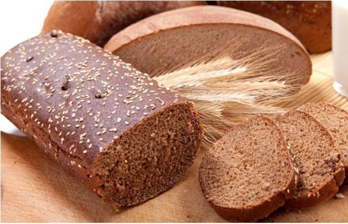 Ăn bánh mì giảm cân đúng thời điểm