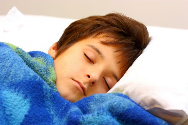 Tập cho trẻ có thói quen ngủ đúng giờ để cơ thể phát triển tốt