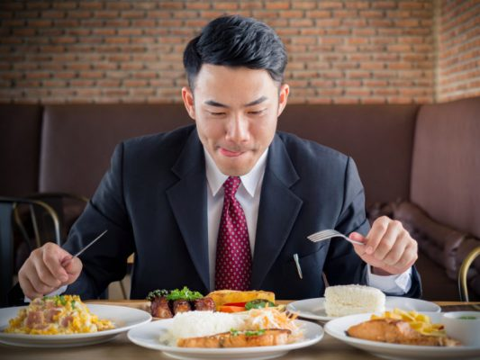 cách giảm cân cho nam không được ăn uống tùy tiện