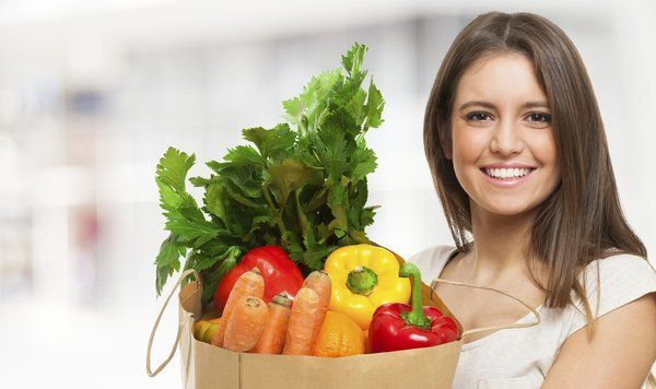 Ăn nhiều trái cây và rau củ quả