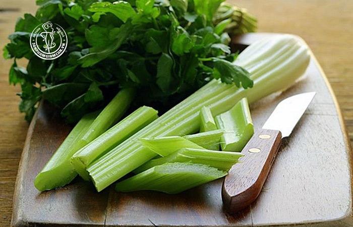 Món cần tây luộn là thực phẩm tốt nhất trong việc giảm cân
