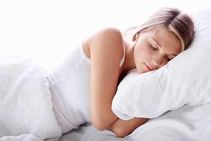 Ngủ đủ giấc có thẻ giúp giảm cân