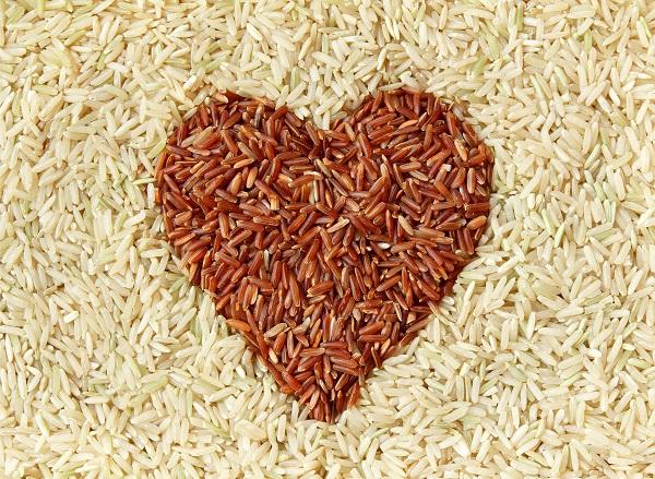 Nguồn chất xơ dồi dào có trong gạo lứt cũng giúp phòng tránh bệnh xơ vữa động mạch, giảm nguy cơ bệnh tim mạch, tiểu đường