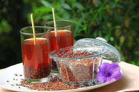 Hãy uống trà gạo lứt rang sẽ giúp bạn vừa giảm cân vừa thanh lọc độc tố trong Gan