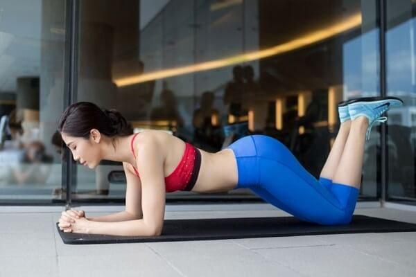 Giảm mỡ cánh tay với động tác thể dục đơn giản mỗi ngày 7