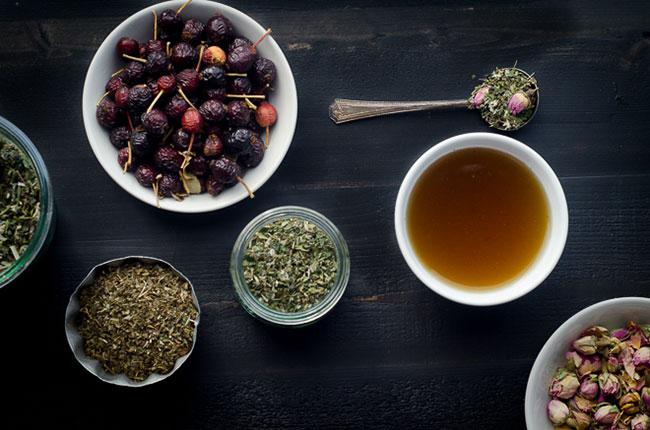 Trà mâm xôi có cách pha tương tự trà xanh